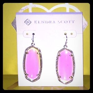 NWOT Kendra Scott Dichroic Elle Earrings in Gold